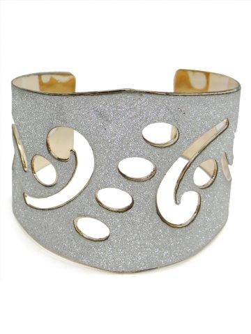 https://static8.cilory.com/138500-thickbox_default/western-style-bracelet.jpg