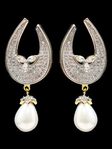 https://static2.cilory.com/158243-thickbox_default/beautiful-women-earrings.jpg