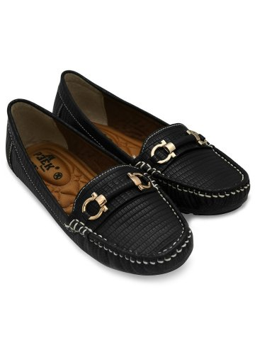 https://static5.cilory.com/384870-thickbox_default/peek-black-women-loafers.jpg
