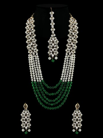 https://static3.cilory.com/399352-thickbox_default/kundan-necklace-set-with-maang-tikka.jpg