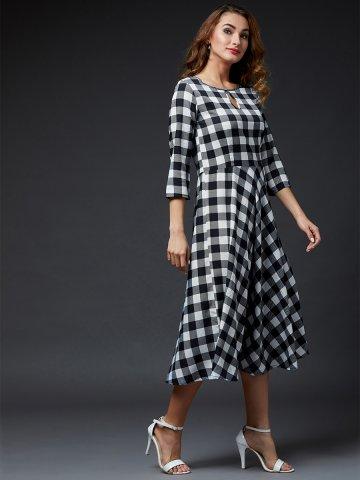 https://static8.cilory.com/403007-thickbox_default/estonished-black-white-midi-dress.jpg