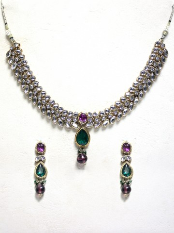 https://static6.cilory.com/44047-thickbox_default/ethnic-kundan-work-necklace-set-carved-with-stone-and-beads.jpg