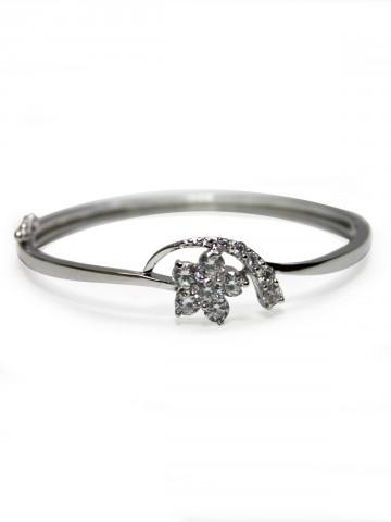 https://static6.cilory.com/73528-thickbox_default/archies-women-bracelet.jpg